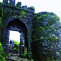 Amazing Hills Stations of Pune and Mumbai Tour