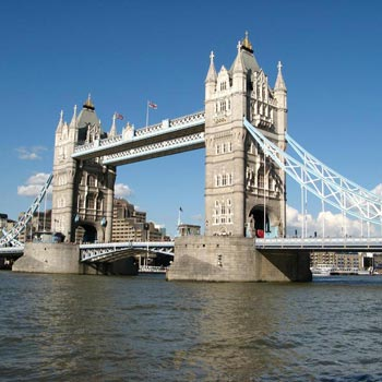 10 Nights & 11 Days Enchanting London & Fairytale Fr...