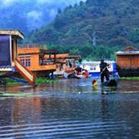 4 Days Kashmir Tour Holiday Package