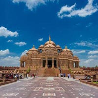 Temple Tour of India with Golden Traingle