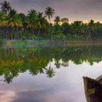 Back waters with Munnar Tour