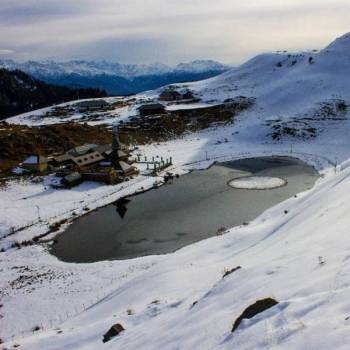 Prashar Lake Trekking Tour