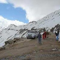 Exotic Himachal trip for 11 nights / 12 days by cab Innova Package