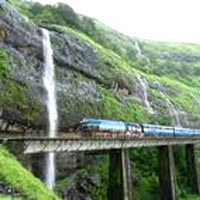 Vizag, Araku, Hyderabad Tour