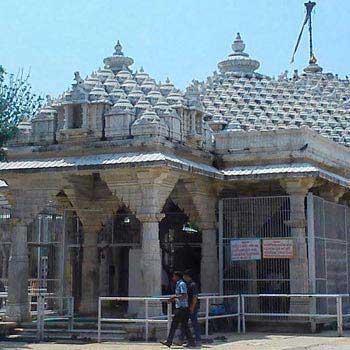Day Tour to Mahudi Jain Temples Package