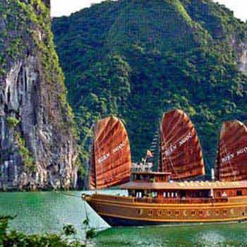 Across Vietnam: Hanoi – Halong Bay – Hoi An – Ho Chi Minh Tour
