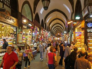Full Day Food Tour of Mumbai with Spice Bazaar Visit