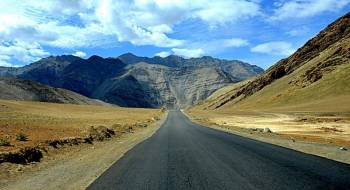 Discover Ladakh Tour Package
