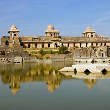 Short Escape to Mandu Tour