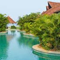 Kerala with Athirappally waterfalls & Guruvayur 06Nights/07Days Tour