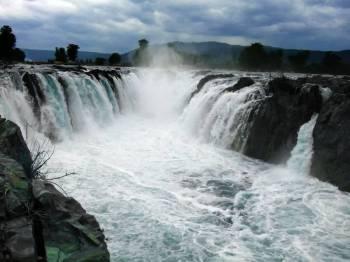 Tamilnadu a Getaway Beaches - Waterfalls - Mountains Tour