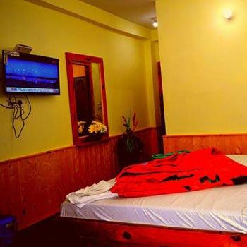 Hotel  Simran Manali Tour