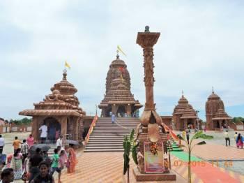 Guwahati, Kaziranga, Majuli, Gogamukh, Bishwanath, Tezpur, Sualkuchi, Hajo Package