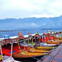 Kashmir Houseboat Tour Package