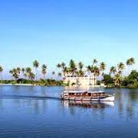Amazing Munnar-Thekkady-Alleppey Tour