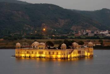 Delhi - Agra - Ranthambore- Jaipur-Delhi Tour