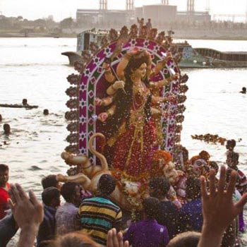 Grand Immersion Trip Of Durga Idol By Vessel - At River Ganga Tour