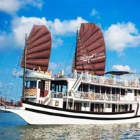 Halong Bay Overnight Junk Boat Cruise Tour