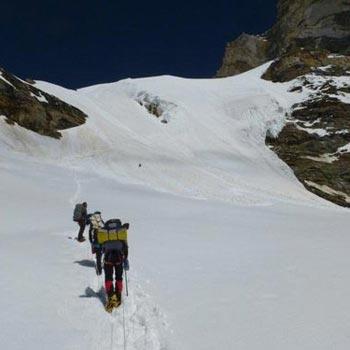 Nun Kun Peak Climbing Tour
