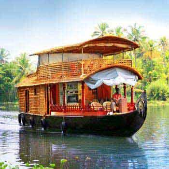Kerala Package Hills and Backwaters – Premium