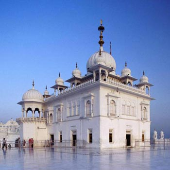 Chandigarh Anandpur Sahib Amritsar Tour Package