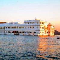 The Lake City Udaipur Tour Package