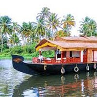 Idyllic Alleppey Houseboat Tour Packages
