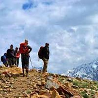 Chandratal Baralacha Trek Tour