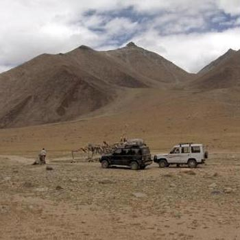 Nubra - Rupshu Jeep Safari Package