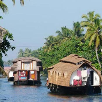 Kerala 3 Star Package with 1 Night Houseboat (3N/4D)