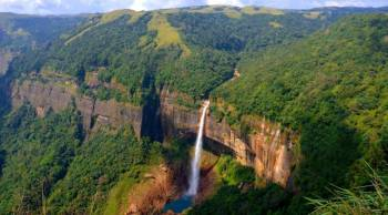 Guwahati, Kaziranga, Shillong, Cherapunjee & Guwahati Tour Package