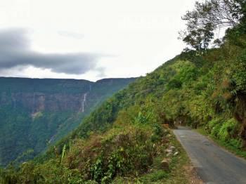 Guwahati, Shillong, Cherapunjee, Mawlyanong & Mawphlang Tour Package