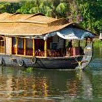 Kerala Houseboat Tour with Hill Station
