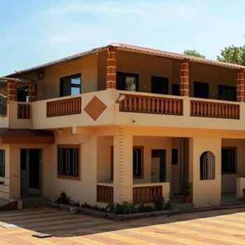 Mahabaleshwar 04 Bedrooms & Hall Bungalow Stay Only Up to 10 Persons Package