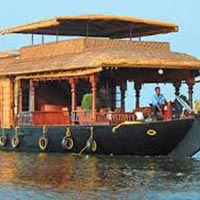 Cochin Munnar Alleppey Kovalam Houseboat Special Tour