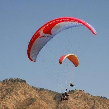 Paragliding in Naukuchiatal (Weekend package)