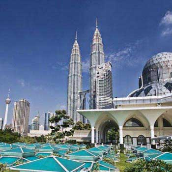 Experience Singapore with Malaysia Tour