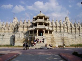 All Rajasthan Deluxe Tour - Orchha - Khajuraho - National Park Safari - Varanasi - Lucknow - Agra