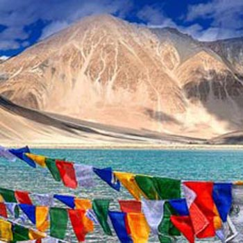 Charming Ladakh with Exotic Kashmir Tour