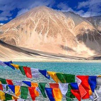 Charming Ladakh with Exotic Kashmir Tour