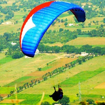 Camping & Paragliding in Bir Billing Tour