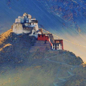 Blink of ladakh Tour