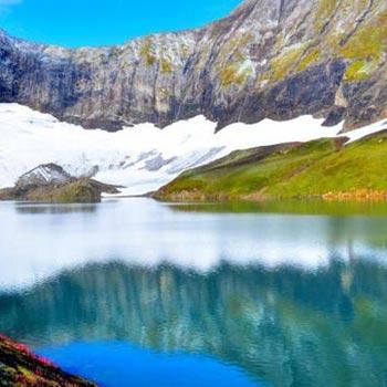 Kashmir Great Lakes Package
