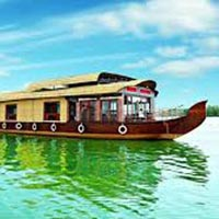 Exotic Kerala Hills & Backwaters 6 Days / 5 Nights