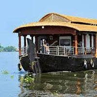 Sun 'n' Sand with Houseboat 9 Days / 8 Nights