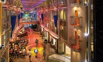 Sailing Delights with Hong Kong Tour