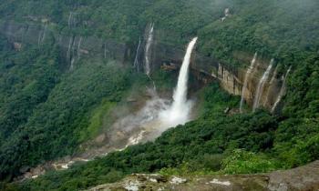 Guwahati - Shillong - Mawlynnong - Cherrapunji Tour