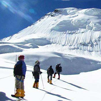 Snow Trek Kashmir 5N/ 6D Package