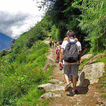 Adventurous Manali Kheerganga Trek Tour