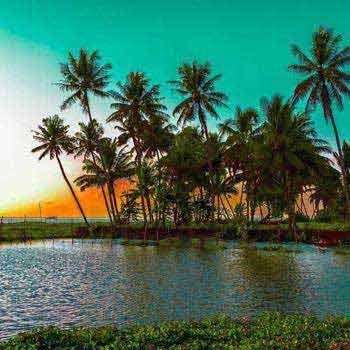 Golden Triangle Tour with Beach and Kerala Backwaters Tour